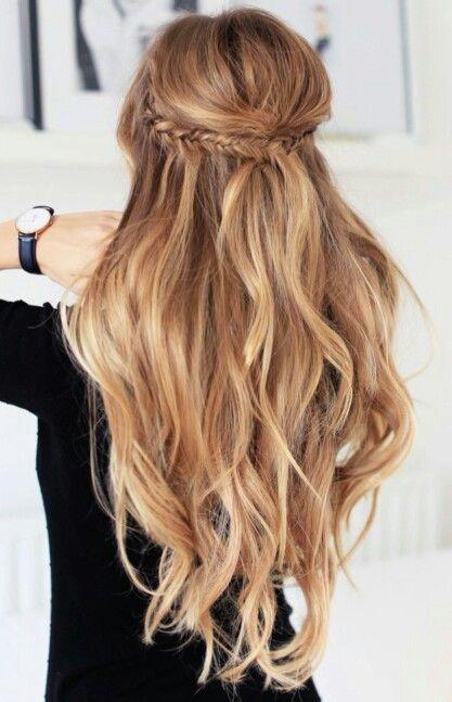 Highlights half up half down wavy hair #gorgeoushair