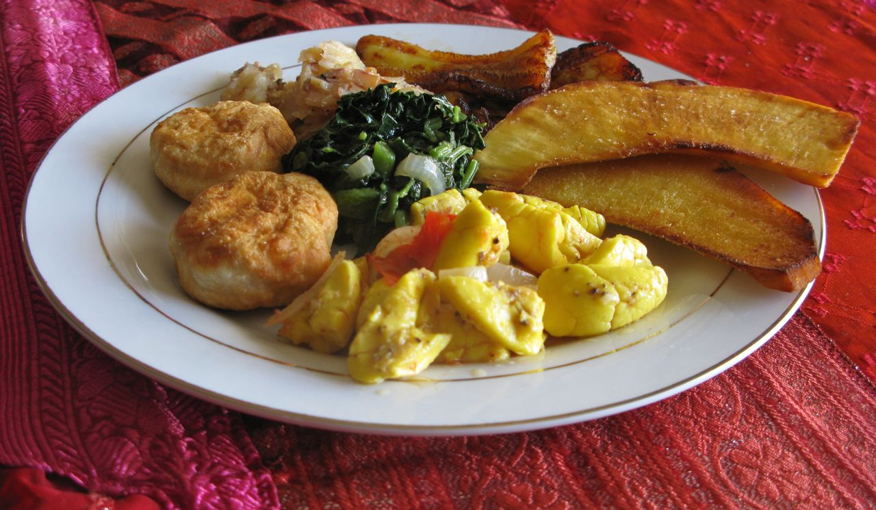 jamaican breakfast / callaloo and codfish | Ackee and codfish served ...
