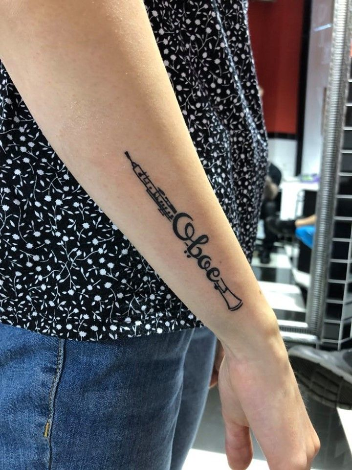 @westend.tattoo_wien #wientattoo #viennatattoo #wienwestendtattoo #smalltattoo #kleinetattoo #armtattoo #oboetattoo #musictattoo #texttattoo #zitattattoo #schrifttattoo #blacktattoo