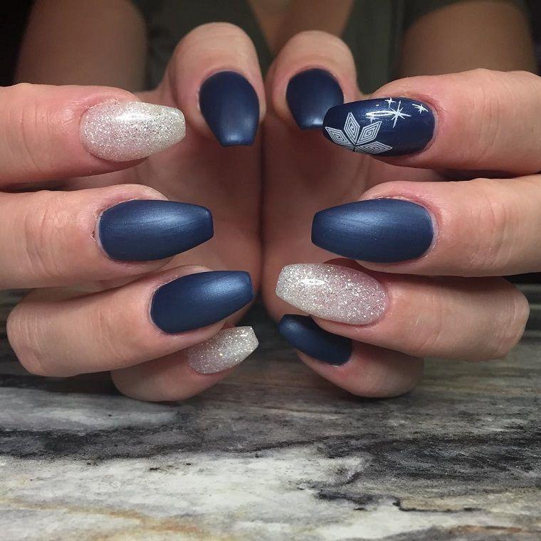 unghie natalizie,blu,opaco,argento