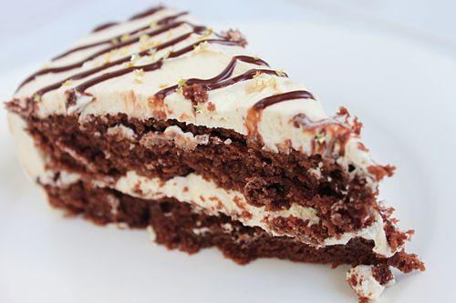 tarta de chocolate con cobertura de vainilla.