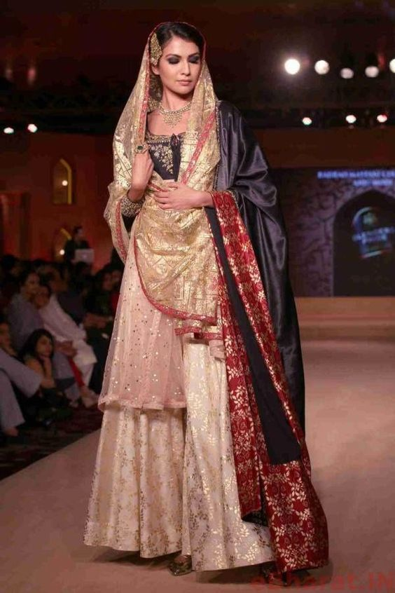 39cf7a787a Trending dupatta draping ideas for Indian brides | Muslim brides | Sharara  suit with double dupatta | Silk dupatta | Net dupatta | Indian bridal  fashion ...