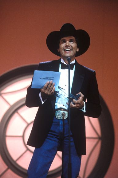 In 1989 George Strait Won His First Of Two Consecutive Cma