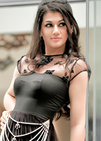 tapsee pannu hot photos