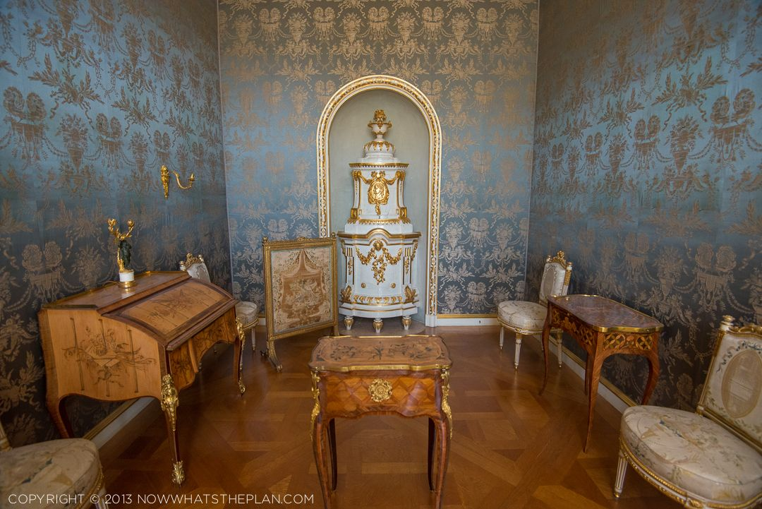 silk damask walls of powder blue and gold residenz m nchen pinterest damask wall and bavaria. Black Bedroom Furniture Sets. Home Design Ideas
