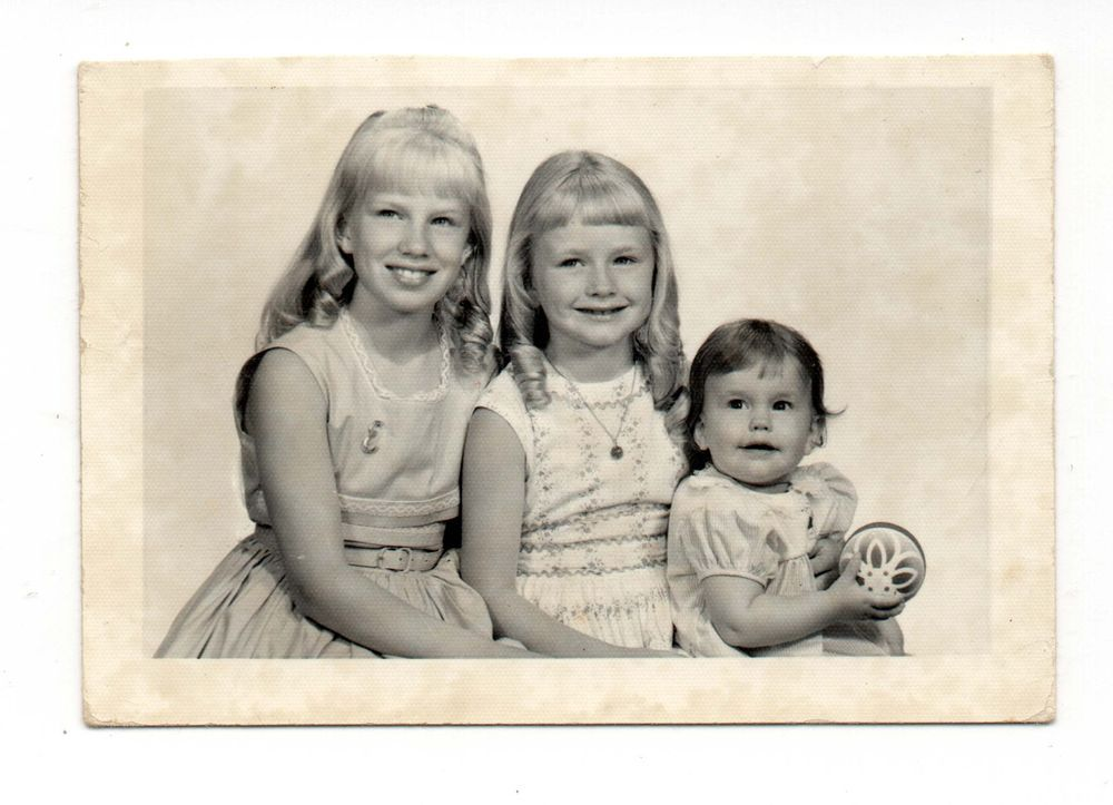 Vintage Photo 2 Young Girls, Baby Girl, Sisters, Portrait, 1960's, Jan