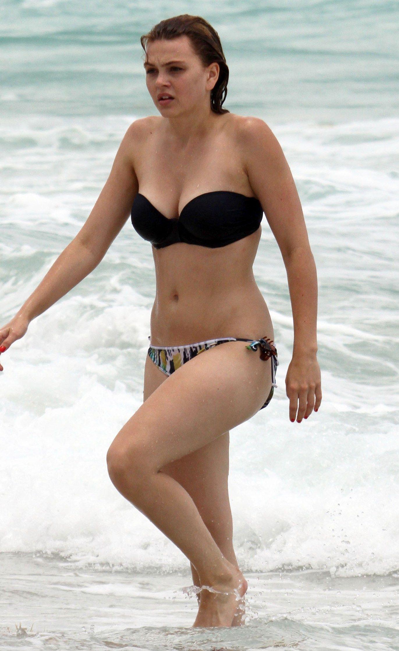 Aimee teegarden breasts pictures — 3