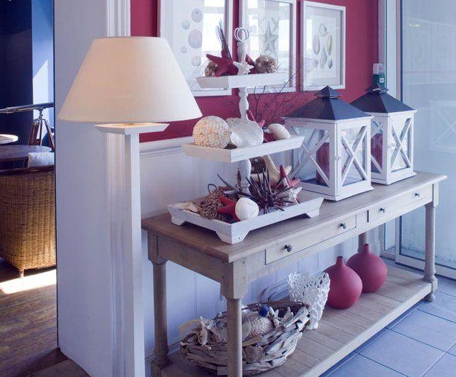 Photo Deco  Blanc Bord de mer Hôtel bord de mer bleu blanc rouge - deco salon rouge et blanc