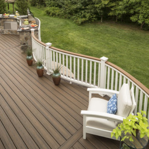 Pin By Keelia Oxley On Deck In 2020 Trex Deck Cost Deck Cost