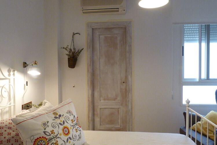 Pintar las puertas de tu hogar con chalk paint rayas - Pintar puertas blancas ...