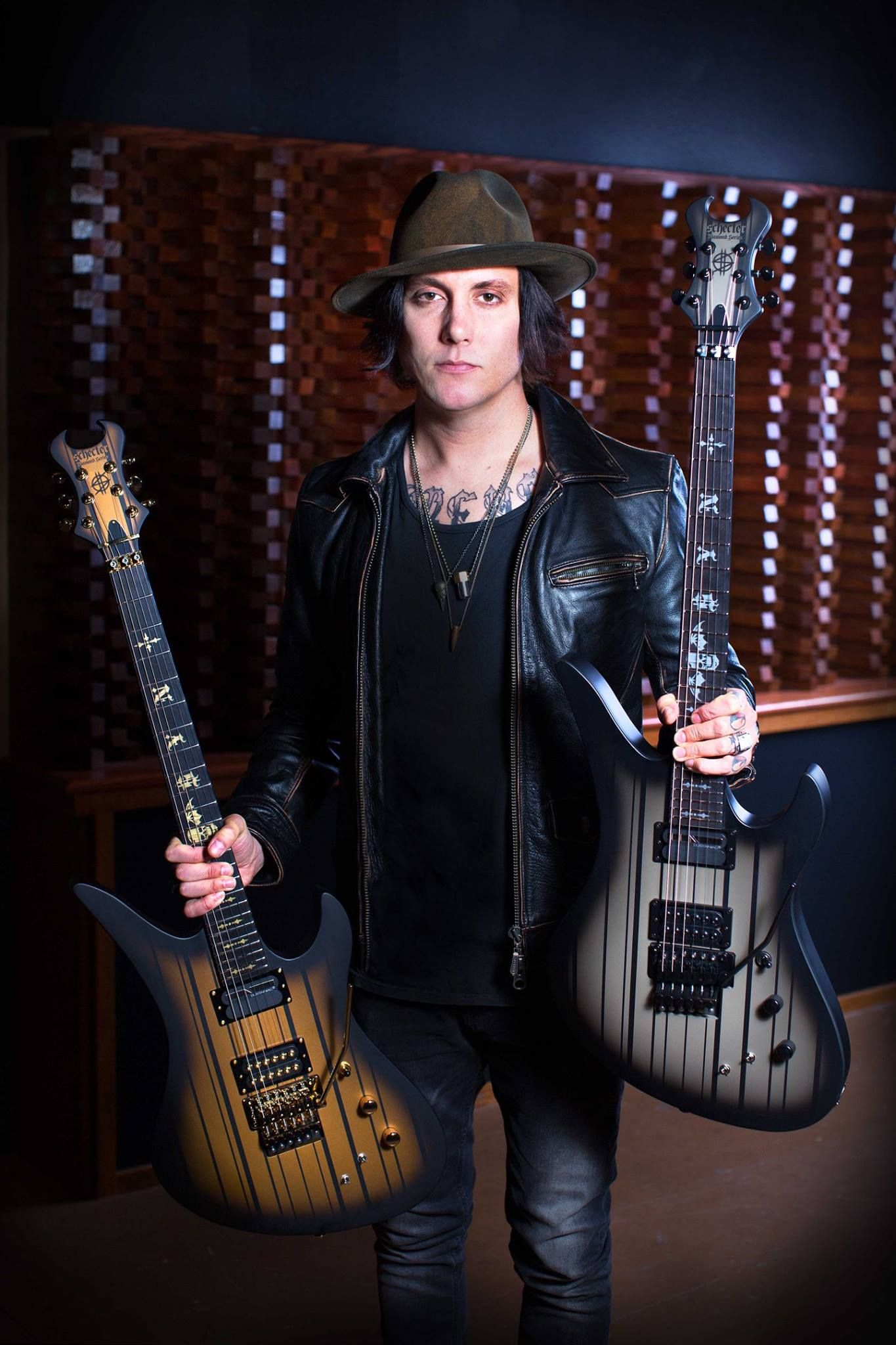 Swell M Shadows Synyster Gates 2017 The Stage Tour Avenged Hairstyle Inspiration Daily Dogsangcom