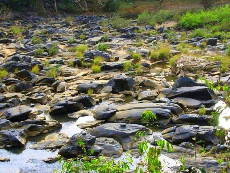 thousand-of-shivlinga-in-shalmala-nadi