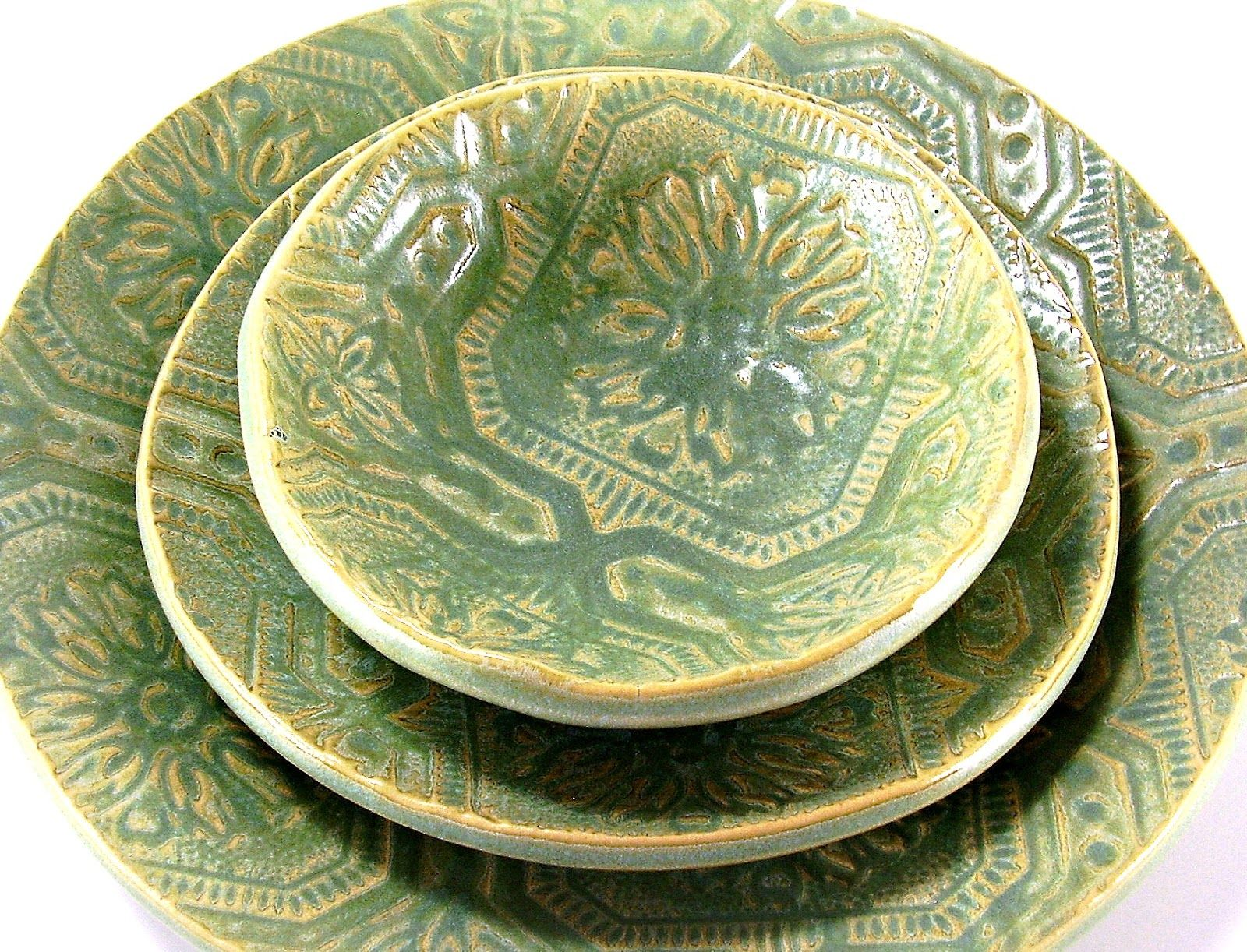 dinnerware sets handmade | This dinnerware brings me back to my childhood.