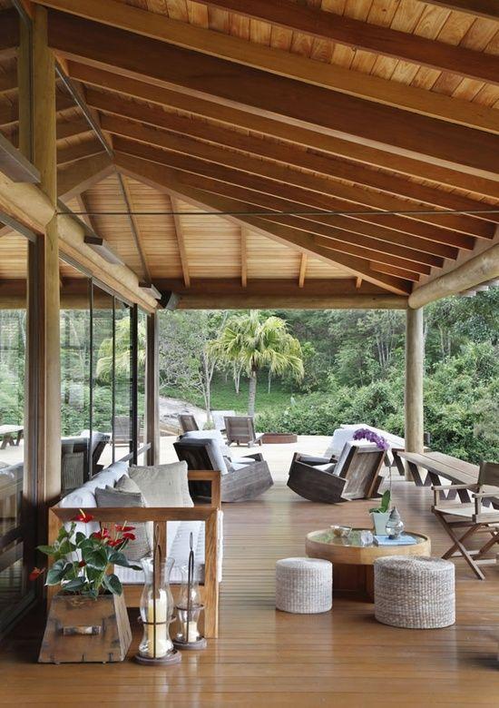 Hohes Dach Ideen Für Terrassenüberdachung Holz | Ambientes ... 28 Ideen Fur Terrassengestaltung Dach