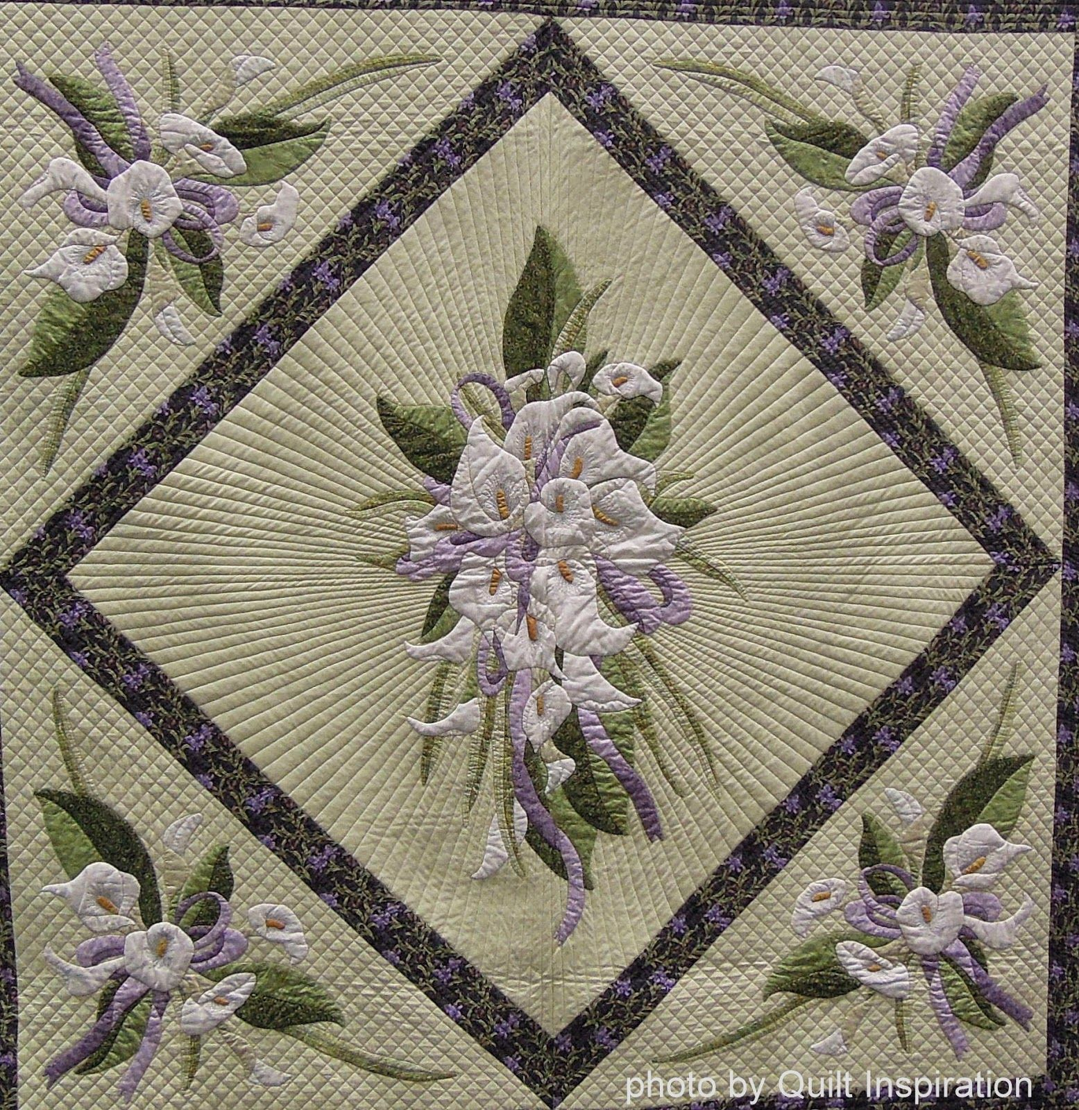 Arum Bouquets by Anne Yeo (New Zealand). 2014 PIQF. closeup photo by Quilt Inspiration ...