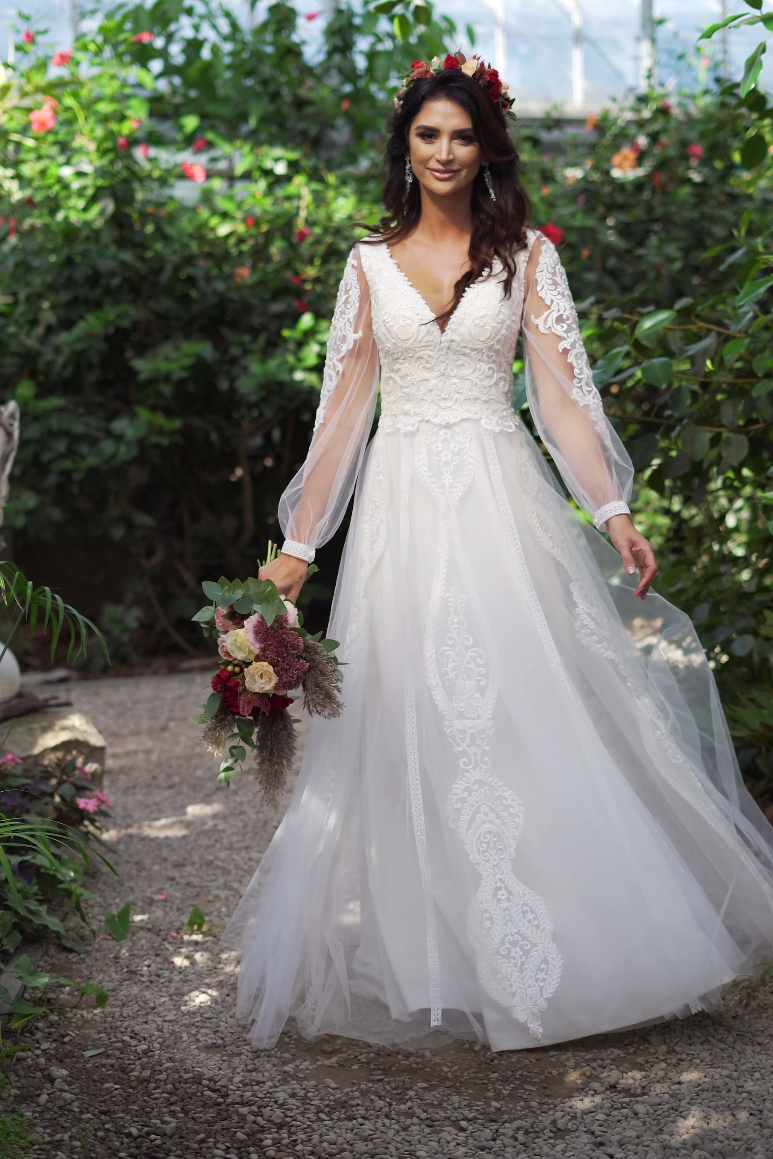Suknia ślubna księżniczka z długim rękawem Lukrecj
