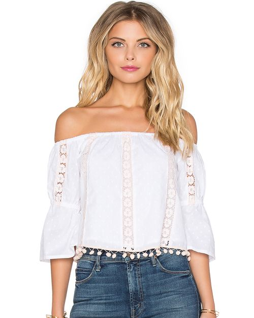 5341a9b98dc4c6 35 Seriously Affordable Tops for Summer