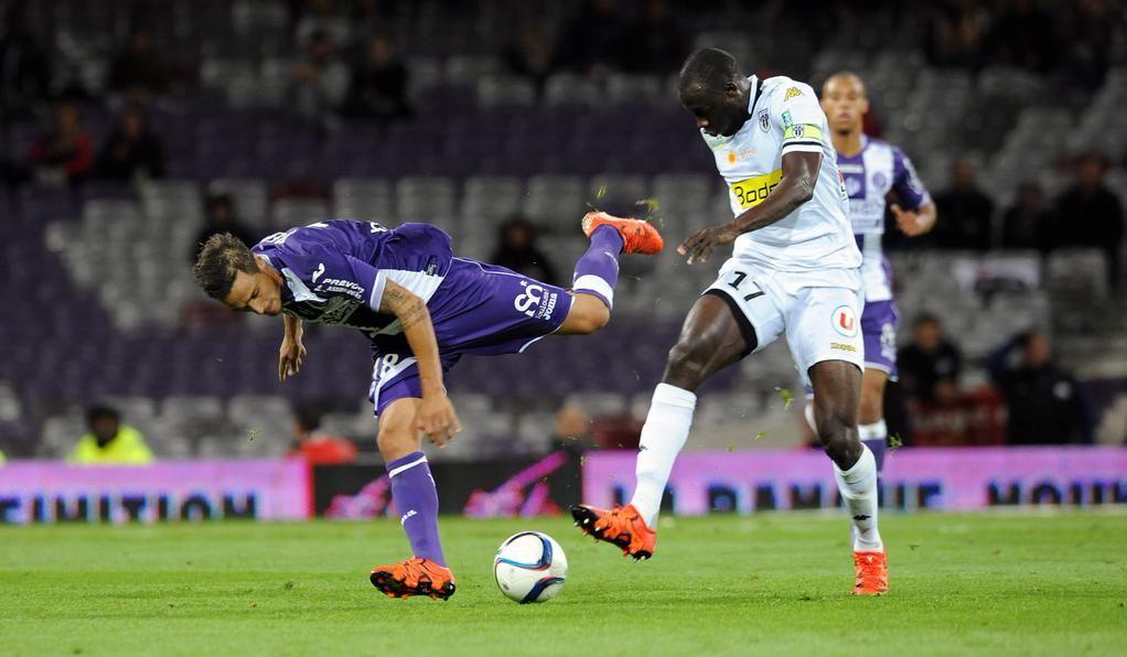 Ligue 1 : @sco_angers  toujours sur le podium. #football