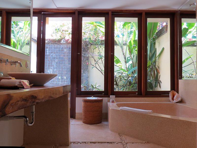 Alle Villen des Pavilions Bali sind sehr liebevoll im asiatisch