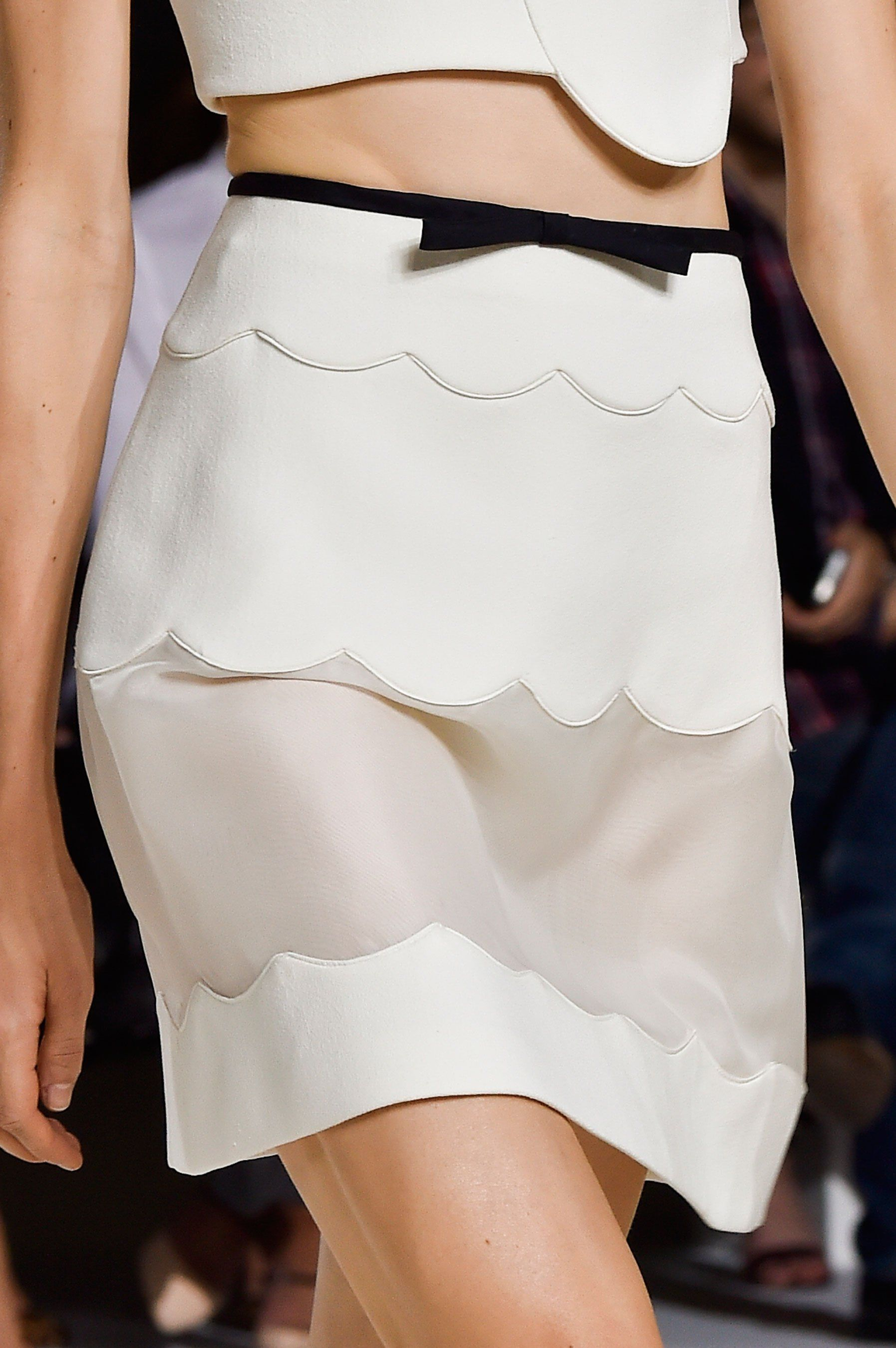 Scallop skirt with dainty bow trim; pretty fashion details // Giambattista Valli Spring 2015
