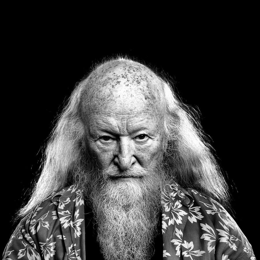 Danish doublebassplayer Hugo Rasmussen - People   Fotograf Jenni Olsen · Reklamefotograf fra Esbjerg
