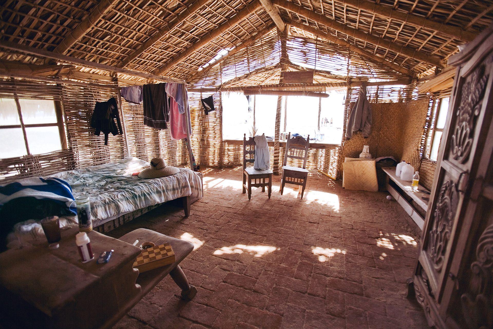 Surfer interior design inside the surf shack at todos for Shack homes
