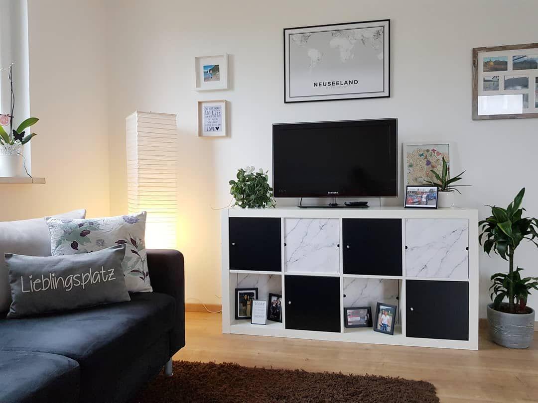 Wohnzimmer Ikeahack Kallax Expedit Kompaktlosung Stufenlos Im Regal Versetzbar In 2020 Kallax Flat Screen Electronic Products