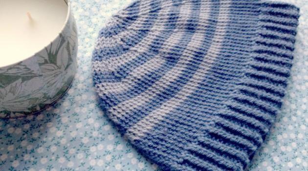 3f11477ff9a 25 tutos de bonnets enfants au tricot