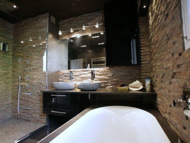 Salle de bain avec mur en pierre | Salle de bain | Pinterest ...