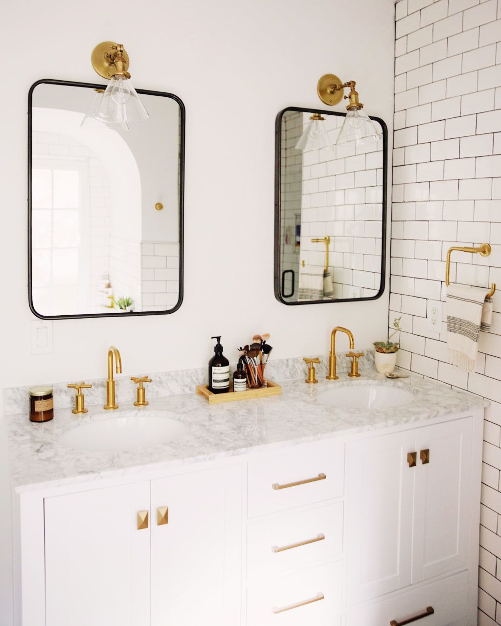 Find and save ideas about Bathroom mirrors on ...