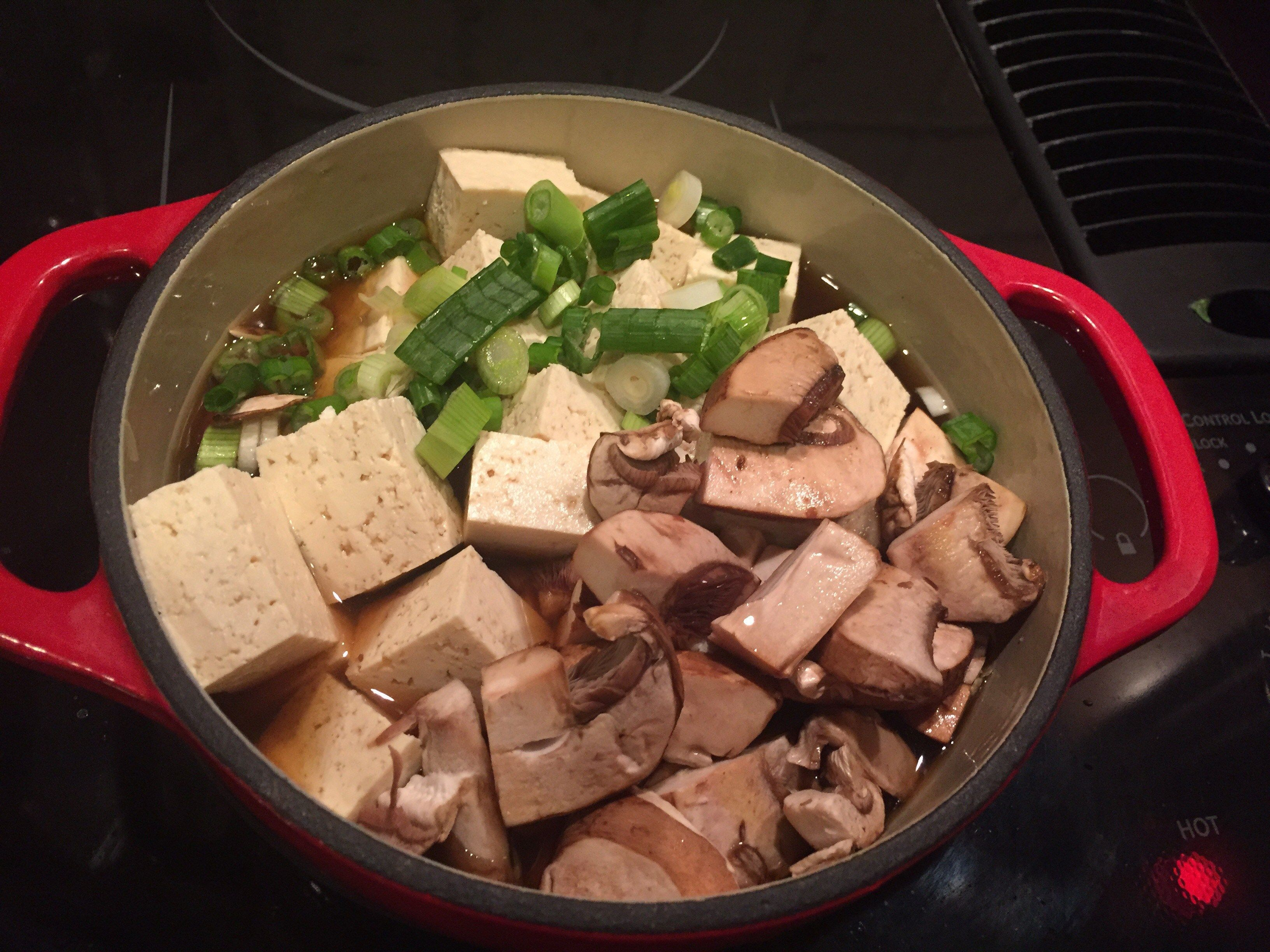 Extra firm tofu, mushrooms, green onions, etc w dahsi, soy, mirin broth