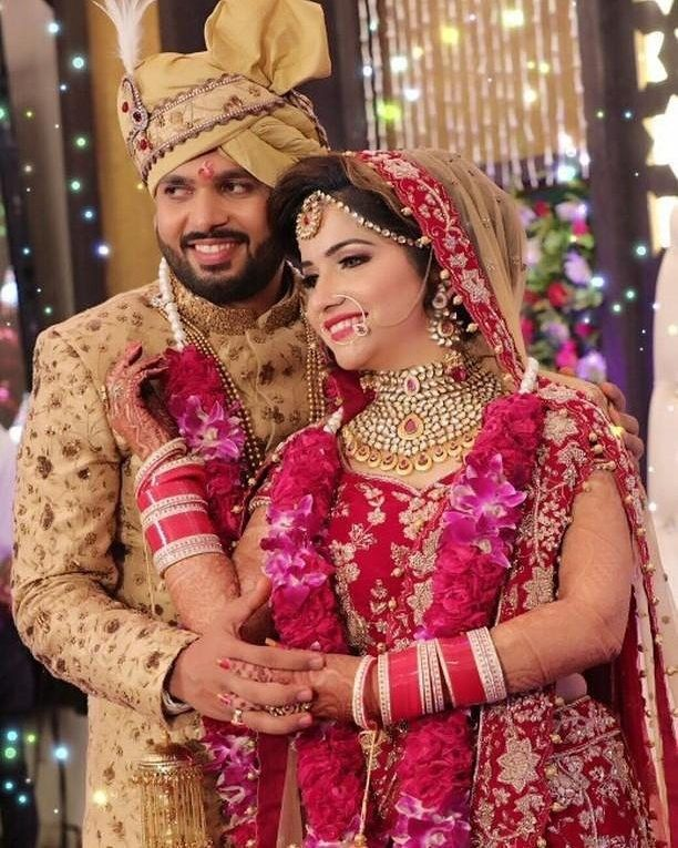 क स भ प रक र क स भ अवसर पर सम पर क कर Dj Selfi व ड य Indian Wedding Photography Couples Indian Wedding Poses Indian Wedding Photography Poses