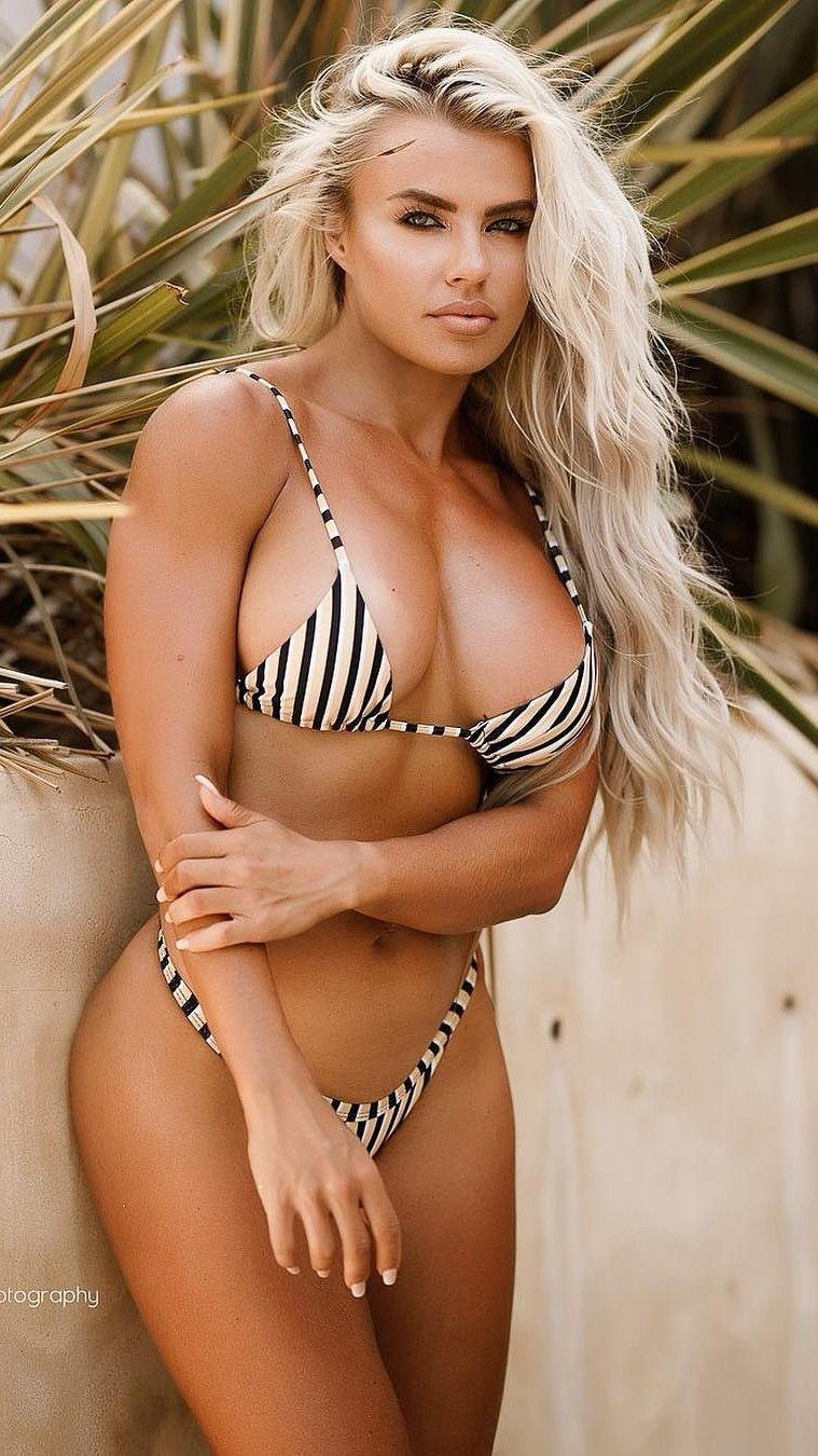 Holly Barker Nude Photos 17
