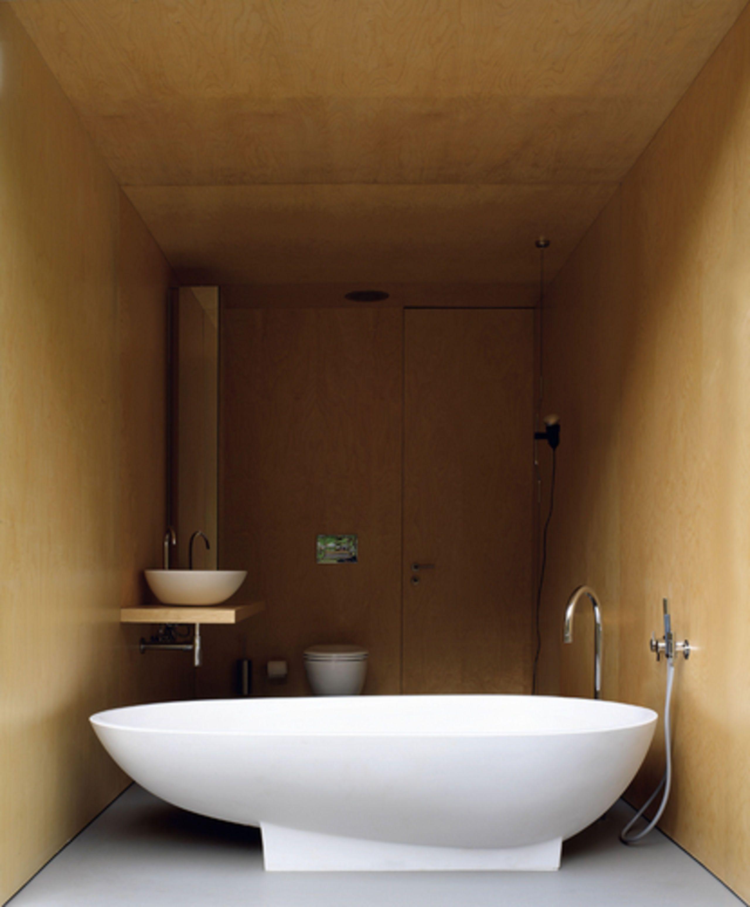 Ideen Fur Kleine Badezimmer Freistehende Badewanne Spoon 1998 Designed By Benedini Associati Oragnisches Design First Betonhaus Badezimmer Design Haus