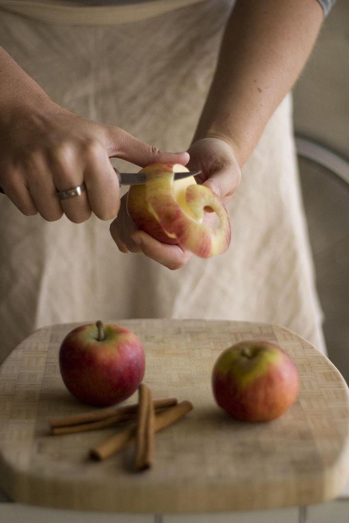 Vader schilde elke avond een appel voor ons .