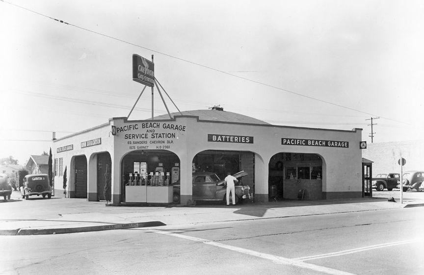 Pacific Beach Chevron, corner Garnet & Ingraham, 1946  Gas