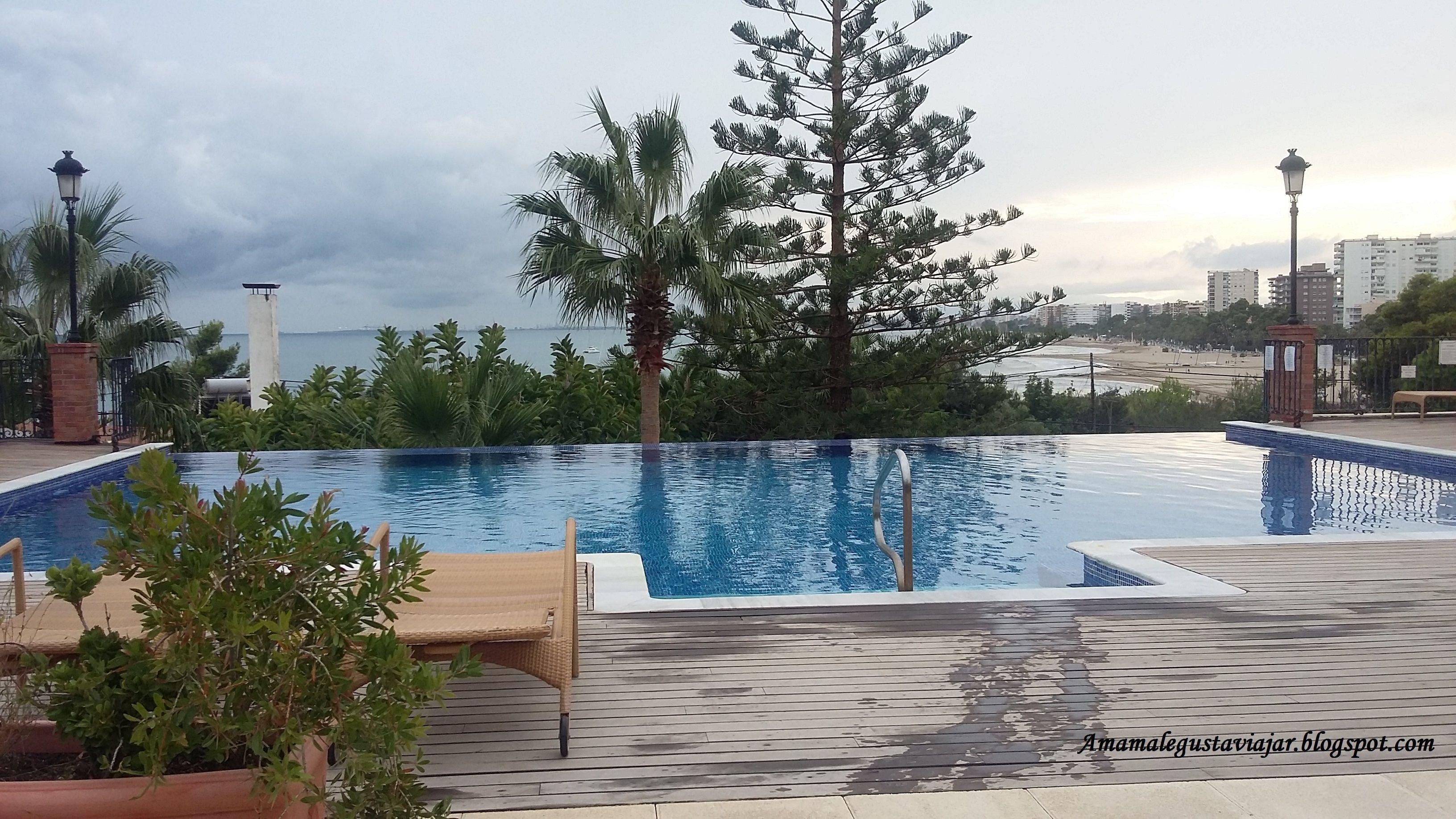 Hotel Termas Marinas El Palasiet. Benicassim. La piscina es preciosa.
