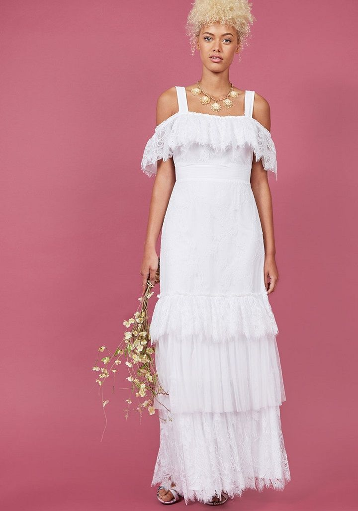 Layered wedding dress with off the shoulder | Boho wedding dress under $300 #weddingdress #weddinggown #bridalgown #bohoweddingdress #bohobride #offtheshoulder #weddingdresses