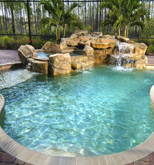 Must have pool with a waterfall Zwembaden Pinterest Hot tubs