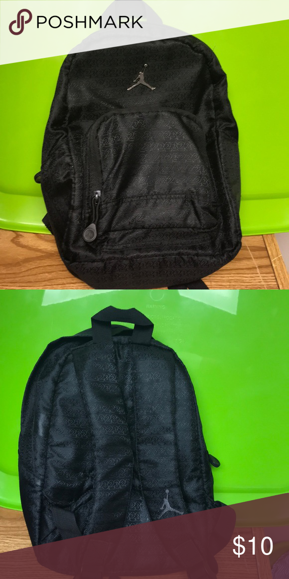 5de6b6dd3f51 Mini Jordan backpack This mini Jordan backpack is perfect for a young child  traveling with a small amount of items. It is in good great condition.