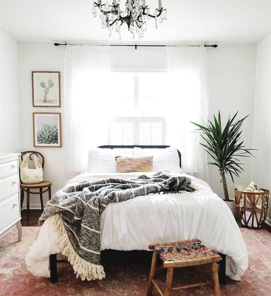 Gut Minimalist Bohemian Bedroom / Boho Chic / Bright And Airy Bedroom  #bohemianBedroomDecor
