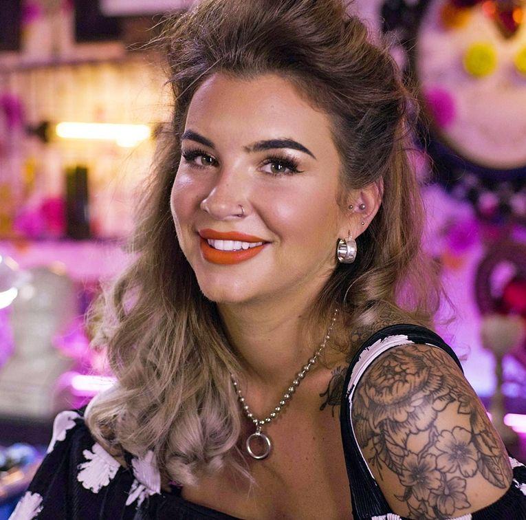 Alice Perrin Alice perrin tattoo, Alice perrin, Tattoo