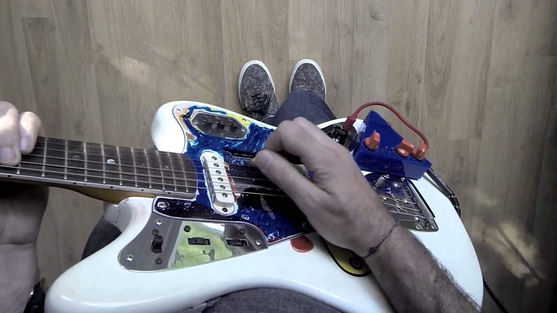 Principi Attivi 2012   Tenten Triangle + Fender Jaguar '64
