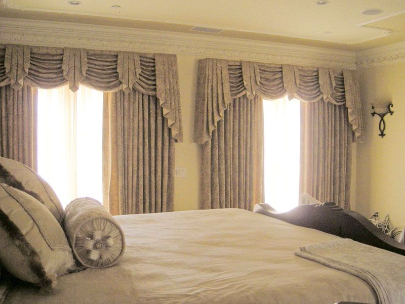 Closing D With Swag Cascade And Jabot Valances