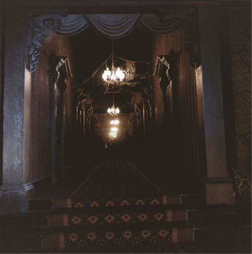I Want To Use Black Draping In Hallway Change My Wallpaper
