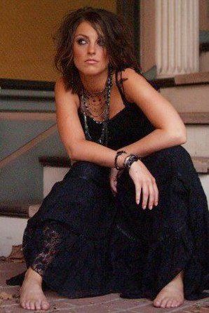 Singer/songwriter Courtney McManus