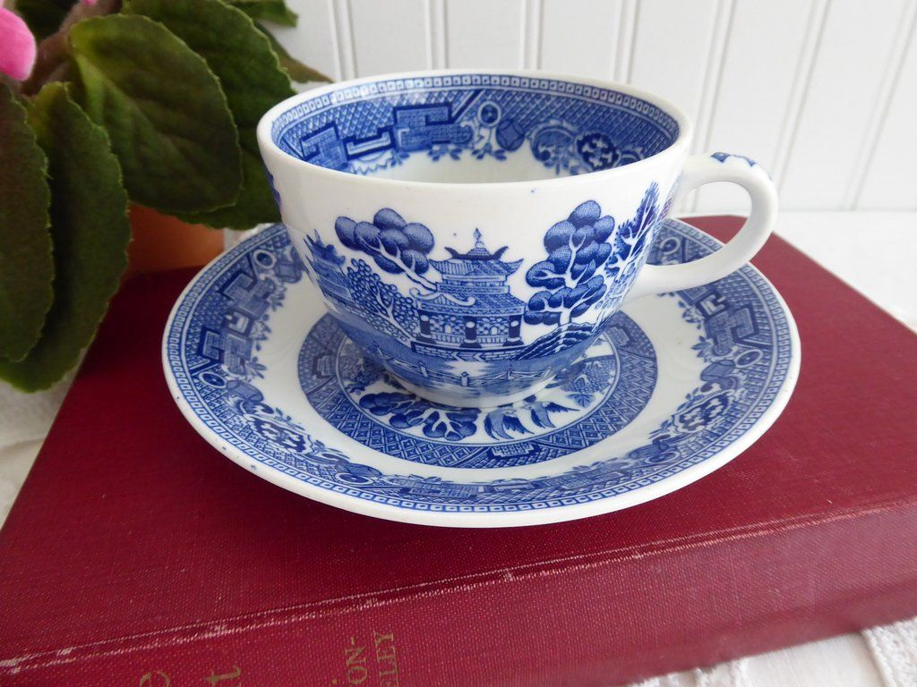 Set of 3 Blue Willow Teacup and Saucer Blue and White English Tea Party, Blue and White Asian Teacup and Saucer