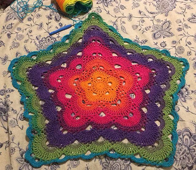 5 Sided Virus Afghan [Free Crochet Pattern | Muestras de crochet