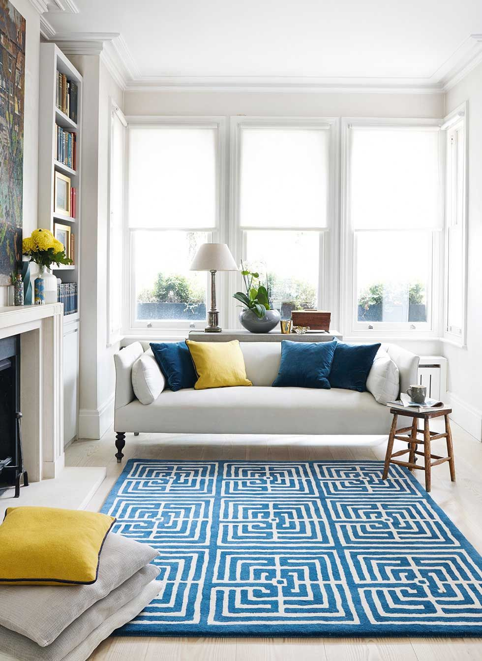 Open plan living room with blue rug by Jennifer Mann… | Blue and ...