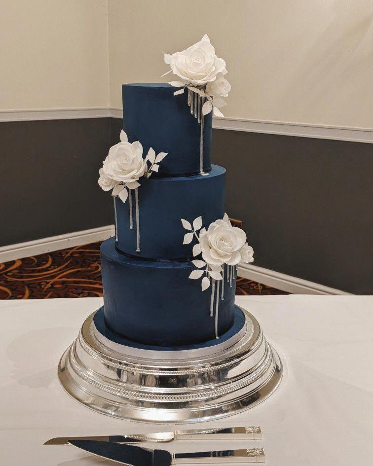 Straight Forward Wedding Cakes Designs To Study Today In 2020 Winter Wedding Cake Wedding Cake Navy Simple Wedding Cake